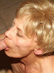 Blonde mature Rosalie gives her lover a dose of her sinful blowjob and got her snatch pounded live